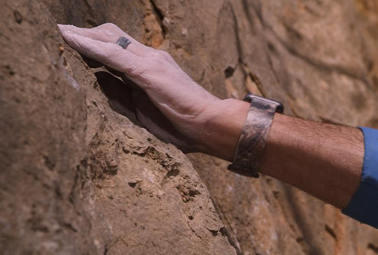 Wear a silicone Groove Ring while rock climbing